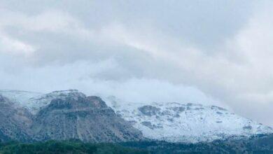 Photo of أول أيام العيد.. الثلوج تزين قمم جبال لبنان (صور)