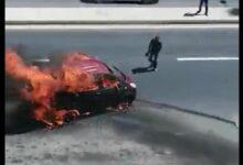 Photo of احتراق مركبة وانفجارها في عمان