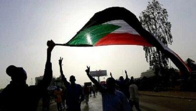 "Photo of الخرطوم: إطلاق ""المدمع"" على متظاهرين نددوا بنقص الوقود والخبز (فيديو)"